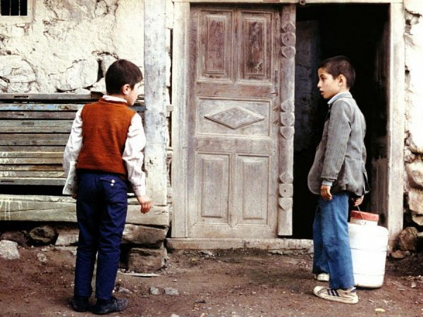 fotogrma_Donde_esta_la_casa_de_mi_amigo_ Abbas_Kiarostami